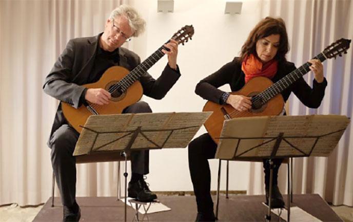 Weltklasse im Gewölbekeller - Amadeus Guitar Duo