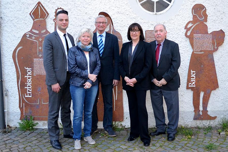 Geschäftsführender Vorstand Förderverein Haus Letmathe v. l. n. r. Tom Culaj (Schatzmeister), Barbara Metzger (Mediensprecherin), Franz-Josef Schlotmann (Vorsitzender), Gisela Wydra (stellv. Vorsitzende), Herbert Müller (Schriftführer)